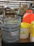 bait buckets plastic or wire mesh